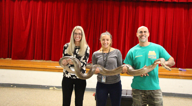 Rizzo's Wildlife Discovery visits Bergen Elementary