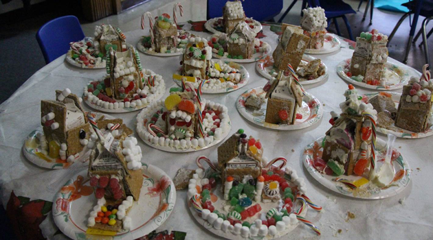 BASCS Elementary creates gingerbread houses